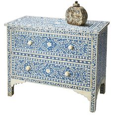 Brimming with artful craftsmanship and captivating design, this on-trend piece transforms your home into an inviting retreat.   Product:
