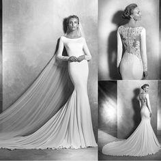 A Pronovias soube perfeitamente unir o clássico ao moderno com muito estilo para sua coleção 2016. Esse vestido é super elegante amamos! <3 by mariee_weddings