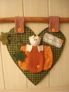 PANÔ CORAÇÃO no Elo7 | Helohandmade (22F0B2) Christmas Ornaments, Sewing, Holiday Decor, Home Decor, Industrial Kids Decor, Kitchen, Dressmaking, Decoration Home, Couture