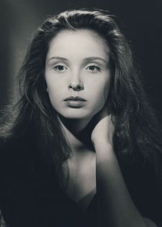 Picture of Julie Delpy Julie Delpy, Female Actresses, Actors & Actresses, Before Sunrise Movie, Before Trilogy, Star Francaise, Before Midnight, French Actress, Great Women