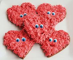 Gotta warm and fuzzy feeling for anybody special? Learn to decorate these adorable fuzzy heart Valentine's Day cookies HERE at Lila… Valentines Day Cookies, Kinder Valentines, Valentines Day Treats, Valentine Day Love, Holiday Treats, Birthday Cookies, Funny Valentine, Heart Cookies, Cute Cookies