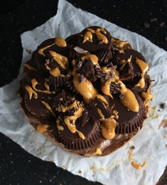Raw Vegan Chocolate Peanut Butter Cheesecake #recipe #dessert #vegan #raw