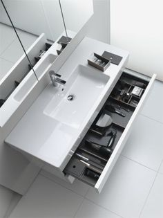 So you make your dream bath- So leistest du dir dein Traumbad WOW! This vanity for the bathroom offers a lot of space and looks great as well. You can find tips, ideas and inspiration on the subject of bathing www.wohn-dir-was.de Pictures (c) Duravit - Cozy Bathroom, Modern Bathroom, Small Bathroom, Contemporary Bathrooms, Bathroom Vanities, Bathroom Furniture Design, Bathroom Interior Design, Furniture Storage, Bad Inspiration