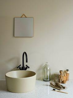 Matta väggar i badrummet med LADY Aqua Decor, Contemporary Interior Design, Contemporary Bathrooms, Interior Tiles, Interior, Household, Wall Colors, Home Decor, Jotun Lady