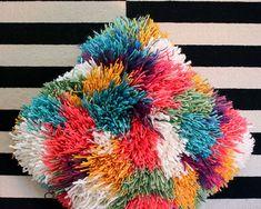 Newest Pics Latch Hook cushion Popular Admirers involving the Pretty Severe Idea… – Braided Rugs Diy Fabric Rug, Fabric Scraps, Scrap Fabric, Pop Up, Diy Cushion Covers, Yarn Dolls, Latch Hook Rugs, How To Make A Pom Pom, Rainbow Crochet