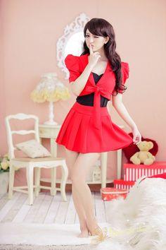 red night clubs with three-piece performances clubwear