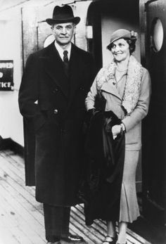 William Waldorf Astor and his wife Mary (Mamie) Dahlgren.  William was the son of John Jacob Astor III and Charlotte Augusta Gibbs.  In 1891 he moved to Great Britain in response to a family feud developed with his aunt Caroline Astor over matters of standing in high society.  It seems Caroline Astor did not accept Mamie in her circle of society.