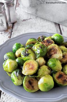 This ain't just any Brussel Sprouts recipe—this is soooo good! Get your kids to eat their veggies with our grilled Brussels sprouts recipe! Grilled Brussel Sprouts, Grilled Veggies, Brussels Sprouts, Side Recipes, Veggie Recipes, Healthy Recipes, Healthy Foods, Top Recipes, Bon Appetit