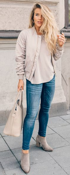 jackets in a variety of other tones + pastels are best + spring or summer style + gorgeous mauve number + Molly Rustas. Jeans: Crocker, Jacket: Size 8 Needle, T-shirt: Forever21.