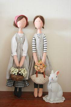 Tiny Dolls, Soft Dolls, Cute Dolls, Diy Doll Pattern, Doll Shoe Patterns, Hand Embroidery Projects, Fabric Toys, Sewing Dolls, Waldorf Dolls