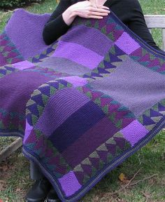 Knitting Pattern for Flying Geese Blanket - This knit version of the traditional. Knitting Pattern for Flying Geese Blanket - This knit version of the traditional quilt is knit with strips of triangles,. Quilt Baby, Quilted Baby Blanket, Knitted Afghans, Knitted Blankets, Baby Blankets, Manta Crochet, Knit Crochet, Crochet Owls, Crochet Animals