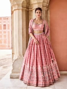 Dreamy Pink Lehenga Designs We Just Can't Stop Swooning Over Lehenga Designs, Choli Designs, Indian Wedding Outfits, Bridal Outfits, Wedding Dresses, Indian Weddings, Dress Indian Style, Indian Dresses, Shadi Dresses