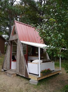 This could be a simple and affordable way to house extra guests in the back yard, or just for our own private retreat!