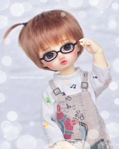 𝑯𝒆𝒍𝒍𝒐 𝑾𝒆𝒆𝒌𝒆𝒏𝒅 ~ 💕 www.nomyens.com #bjd #abjd #balljointdoll #dollofstargram #instadoll #dollstargram #toy #paint #painting #painted #repaint #handmade #nomyens #nomyensfaceup Star G, Hello Weekend, Ball Jointed Dolls, Cute Dolls, Bjd, Cosmetics, Disney Princess, Toys, Disney Characters