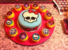 Monster High Cupcake display