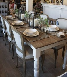 French country style English Style, French Country Style, Frans, Dining Room Table, Wardrobes, New Homes, Tables, Decorating, Kitchen