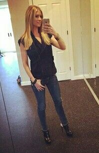 Does christina el moussa shop google search lounge wear for work