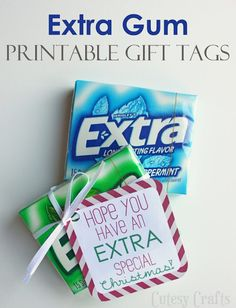Extra Gum Printable Gift Tags for Christmas - Cutesy Crafts Get these Extra Gum printable gift tags for Christmas. These make wonderful Christmas gifts for friends, co-workers or teachers. Christmas Gifts For Friends, Gifts For Coworkers, Holiday Gifts, Christmas Neighbor, Christmas Gift Puns, Funny Xmas Gifts, Extra Gum, Cadeau Surprise, Secret Pal