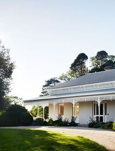 A remarkable restoration and renovation for one of Mansfield's oldest Victorian properties, by Templeton Architecture. Australian Country Houses, Australian Homes, Australian Architecture, Architecture Photo, Modern Architecture, D House, Facade House, Country Stil, Modern Country
