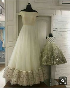 ♦️mother daughter matching dresses👗 Book ur orders now 🔔 ♥️All sizes available ♥️ For any qery or detail dm or whatsapp us at Mom Daughter Matching Outfits, Mommy Daughter Dresses, Mom And Baby Dresses, Mother Daughter Fashion, Little Girl Dresses, Flower Girl Dresses, Baby Outfits, Red Lehenga, Lehenga Choli