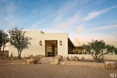 """""""I wanted a hacienda-type house,"""" media mogul Ted Turner says of his Armendaris Ranch in New Mexico. """"I like Mexican architecture."""" San Antonio–based architect Chris Carson devised the four-bedroom lodge. Spanish Revival, Spanish Style Homes, Spanish House, Spanish Colonial, Boho Glam Home, New Mexico Homes, Mexico House, Architectural Digest, Exterior Tradicional"""