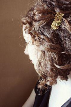 DIY sequin hair pin//Ginger Snaps Blog