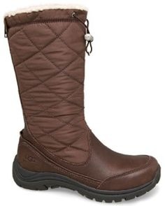 UGG Australia Snowpeak Black Pudding The Snowpeak brings fashion to winter attire. This Tall boot features a waterproof full grain leather and quilted nylon upper. Fully lined with sheepskin, the Snowpeak will keep you warm and comfortab http://www.comparestoreprices.co.uk/womens-shoes/ugg-australia-snowpeak-black-pudding.asp