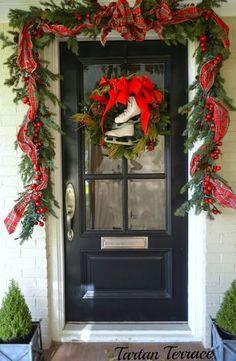 gorgeous christmas/winter porch |tartan|