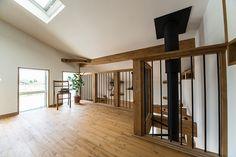 ロフト付き平屋,LOAFERの物件実例ページです。埼玉県のヴィンテージヴァリューの物件です。カフェ+アンティークな可愛い内観は、女性必見!別荘の様な広い庭と、3連窓、ウッドデッキの組み合わせは、カフェ好きな女性やアンティークが好きな方に人気です。