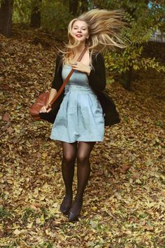 alice in wonderland by VascoGamma on DeviantArt My Unique Style, My Style, Pretty Outfits, Cute Outfits, Classic Style Women, Retro, Autumn Winter Fashion, Autumn Style, Alice In Wonderland