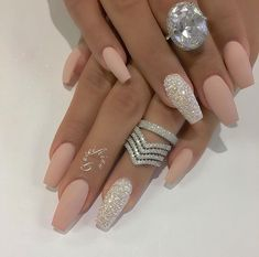 Nail - Hey fashioners, bling nails are definitely beautiful to behold! - - Hey fashioners, bling nails are definitely beautiful to behold! But how do you attain them? Well, painting your nails with a glitter polish can give t. Prom Nails, Bling Nails, Wedding Nails, Stiletto Nails, Vegas Nails, Coffin Nails Matte, Wedding Acrylic Nails, Pink Coffin, Sparkly Nails