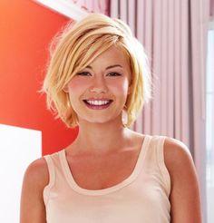 Elisha Cuthbert's blonde bob. http://beautyeditor.ca/2015/01/31/how-to-grow-out-pixie-cut