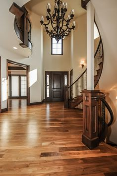 Check out the dramatic entry to this property! Click on the photo to see more pics, awesome!