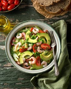 A delicious coldwater shrimp and avocado salad with tomato, cucumber, celery, green onion Salad Recipes Video, Salad Recipes For Dinner, Healthy Salad Recipes, Baby Food Recipes, Food Baby, Feel Good Food, Star Food, Food For A Crowd, Caprese Salad
