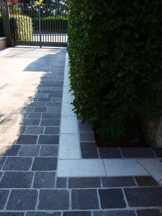 #appiaanticasrl #stone #pietra #palosco #bergamo #brescia #pavimenti #garden #flooring #wall #pavimenti #luserna #posa #flower #pietradiluserna