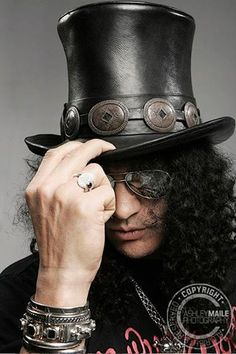 Slash (Saul Hudson)