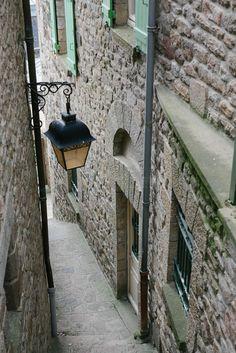 ruelle du mont-saint-michel