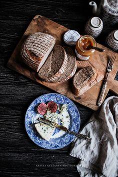 Photo by Krista Keltanen Amazing Food Photography, Dark Food Photography, Love Eat, Love Food, Yummy Drinks, Yummy Food, Tasty, Food Presentation, Food Design