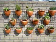 Afbeeldingsresultaat voor kruidenbak tuin Planter Pots, Projects, House, Balcony, Log Projects, Haus, Home, Plant Pots, Homes
