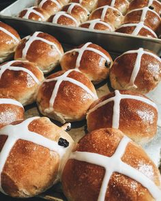 Just your typical Good Friday morning!  ft. Momma's buns!  #lifestyleblogger #bermuda #beautyblogger #goodfriday #easterweekend #easterinbermuda #cicissecrets #hotcrossbuns #fblogger #wearebermuda @wearebda by cicissecret