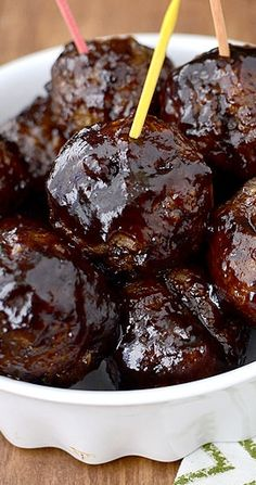 Low Unwanted Fat Cooking For Weightloss Honey Balsamic Bbq Meatballs Sweet, Sticky And Delicious I'm Sure I Could Make This Slimming World Friendly. I Love Food, Good Food, Yummy Food, Comida China Chop Suey, Bbq Meatballs, Sauce For Meatballs, Vegetarian Meatballs, Cocktail Meatballs, Sweet And Sour Meatballs