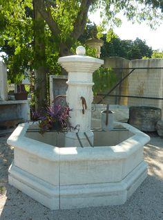 LA fontaine provençale par excellence ! Taillée à la main par nos ...