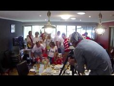 Most Amazing Marriage Proposal Ever - Christmas Eve 2013 - Family Photo Surprise - EzDailyNews