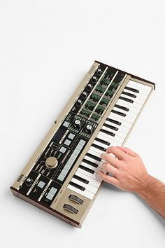 Korg Microkorg 37-Mini Key 4-Voice Synthesizer