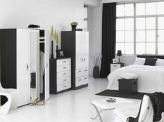 Black and White interior design bedroom - Interior design Black White Bedrooms, White Bedroom Set, White Bedroom Design, White Rooms, Bedroom Black, Bedroom Yellow, Shabby Chic Bedroom Furniture, Bedroom Furniture Design, Stylish Bedroom