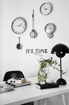 Via Trendenser | Black and White | Clocks | Verner Panton Flowerpot Lamp