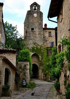Village de Bruniquel, Midi-Pyrénées / France (by Françoise).
