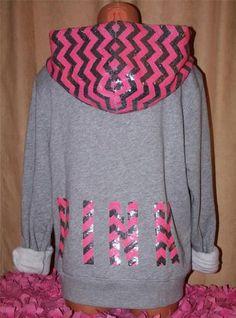 Love this sweat shirt, pink & black vs.