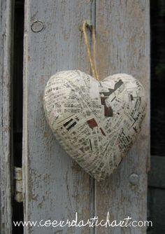 Coeur en papier mâché                                                                                                                                                                                 Plus                                                                                                                                                                                 Plus