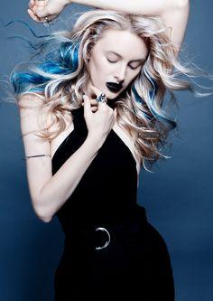 Colección 2016_1 Sinister Beauties de Tsiknaris Hair  http://www.tupelu.com/tendencias/coleccion-f_11118_Tendencia_2016_1_Sinister_Beauties_de_Tsiknaris_Ha-11118-1.html